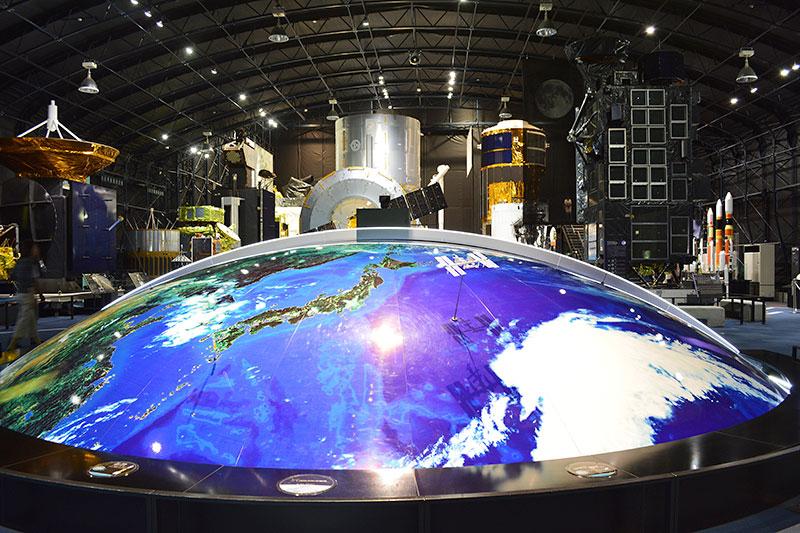 筑波宇宙センター 展示館「スペースドーム」(出典:JAXA)